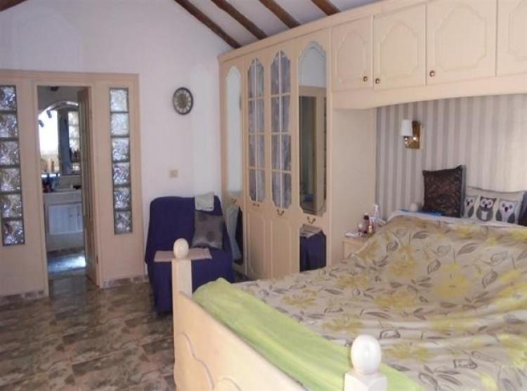3 Bed  Property for Sale, Guia De Isora, Tenerife - PG-D1594 7