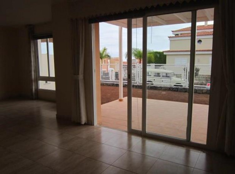 2 Bed  Villa/House for Sale, El Madroñal, Tenerife - PG-C1735 4
