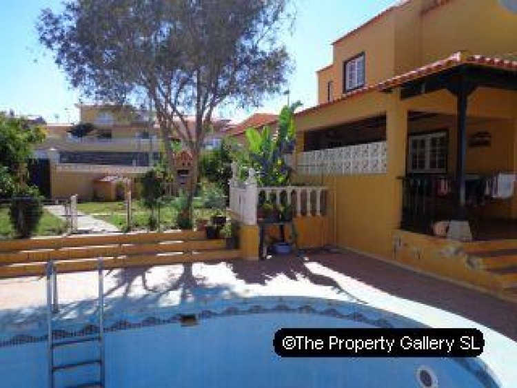 4 Bed  Villa/House for Sale, Puerto De La Cruz, Tenerife - PG-D1487 1