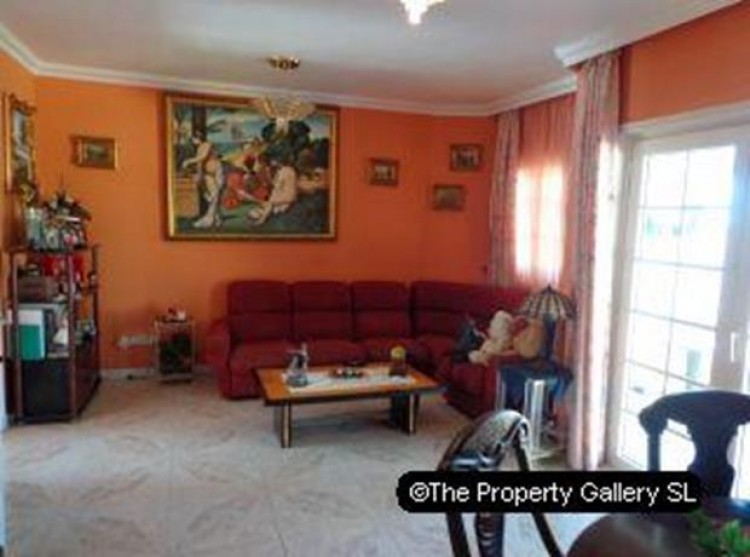 4 Bed  Villa/House for Sale, Puerto De La Cruz, Tenerife - PG-D1487 3