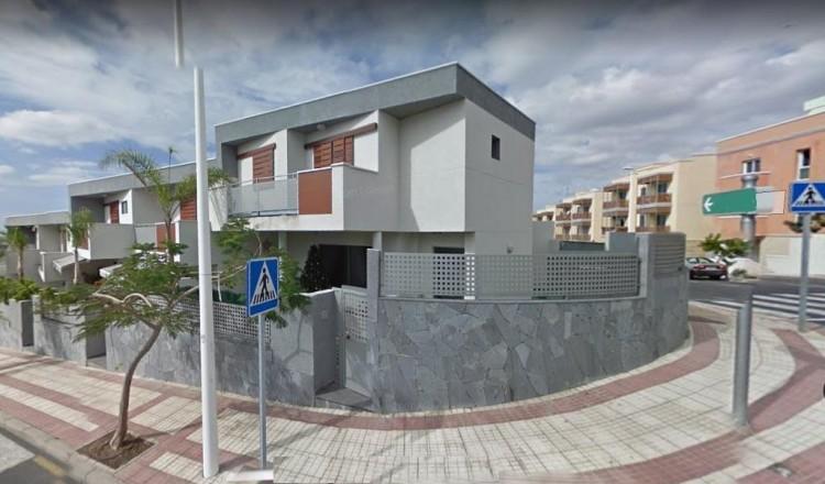 4 Bed  Villa/House for Sale, Adeje, Tenerife - PG-AAEP1249 1