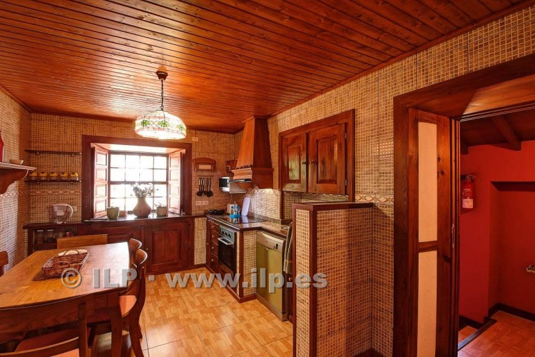 4 Bed  Villa/House for Sale, In the outskirts, Puntagorda, La Palma - LP-P67 16