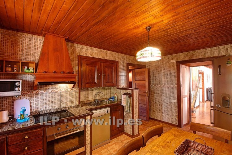 4 Bed  Villa/House for Sale, In the outskirts, Puntagorda, La Palma - LP-P67 19