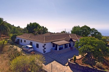 4 Bed  Villa/House for Sale, In the outskirts, Puntagorda, La Palma - LP-P67