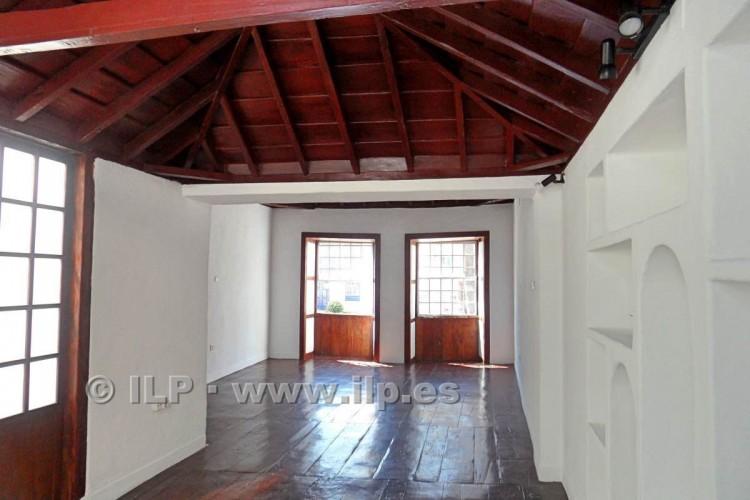 3 Bed  Villa/House for Sale, In the historic center, Santa Cruz, La Palma - LP-SC64 11