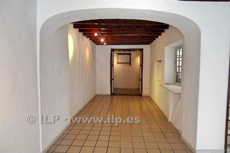 3 Bed  Villa/House for Sale, In the historic center, Santa Cruz, La Palma - LP-SC64 4