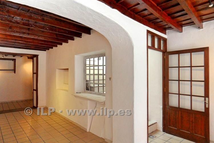 3 Bed  Villa/House for Sale, In the historic center, Santa Cruz, La Palma - LP-SC64 7
