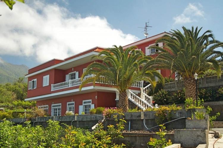 8 Bed  Villa/House for Sale, El Paso, La Palma - LP-E586 1