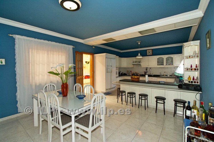 8 Bed  Villa/House for Sale, El Paso, La Palma - LP-E586 13