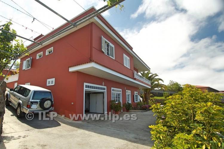 8 Bed  Villa/House for Sale, El Paso, La Palma - LP-E586 4