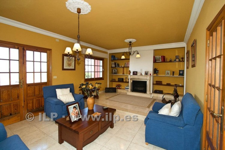 8 Bed  Villa/House for Sale, El Paso, La Palma - LP-E586 9