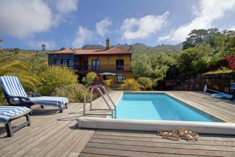 4 Bed  Villa/House for Sale, Cueva de Agua, Garafía, La Palma - LP-G47 1