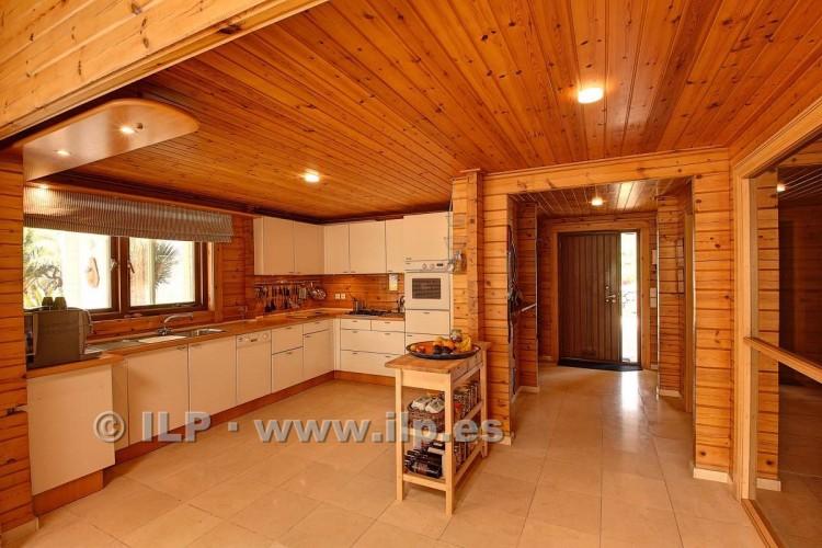 4 Bed  Villa/House for Sale, El Barrial, El Paso, La Palma - LP-E562 19