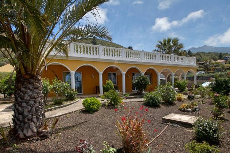 2 Bed  Villa/House for Sale, Tajuya, El Paso, La Palma - LP-E559 1