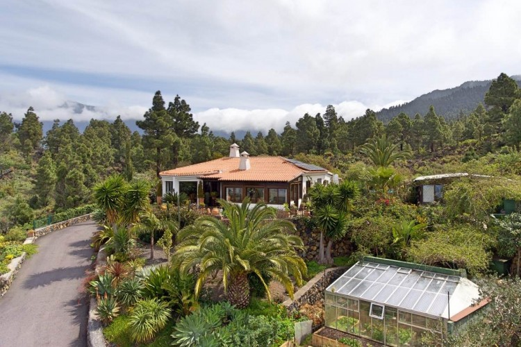 5 Bed  Villa/House for Sale, Tacande, El Paso, La Palma - LP-E554 1