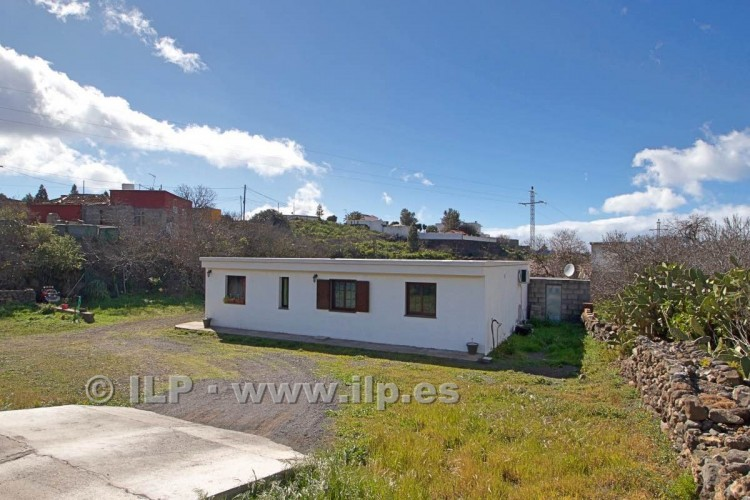 3 Bed  Villa/House for Sale, La Rosa, El Paso, La Palma - LP-E548 3