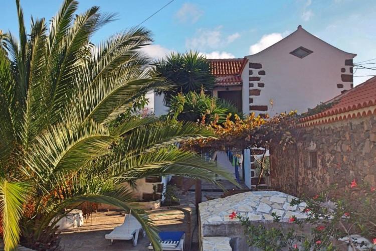 4 Bed  Villa/House for Sale, La Rosa, El Paso, La Palma - LP-E538 1