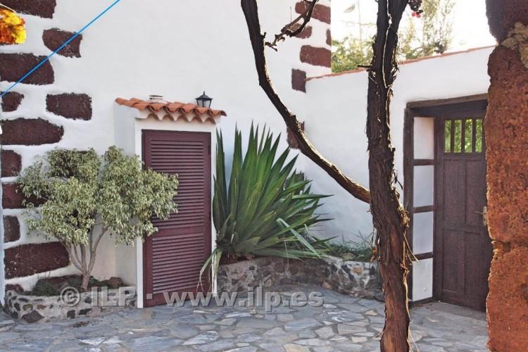 4 Bed  Villa/House for Sale, La Rosa, El Paso, La Palma - LP-E538 8