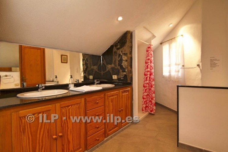 10 Bed  Villa/House for Sale, Tajuya, Los Llanos, La Palma - LP-L467 13