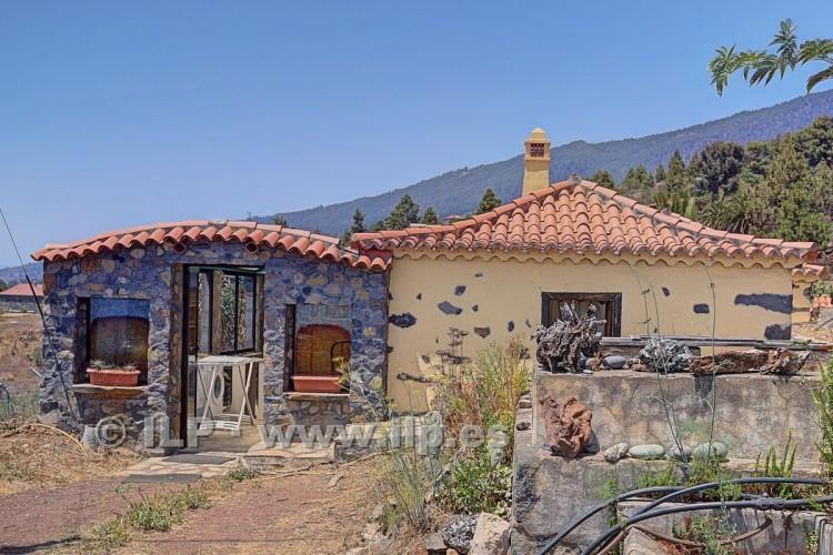 2 Bed  Villa/House for Sale, La Punta, Tijarafe, La Palma - LP-Ti131 12