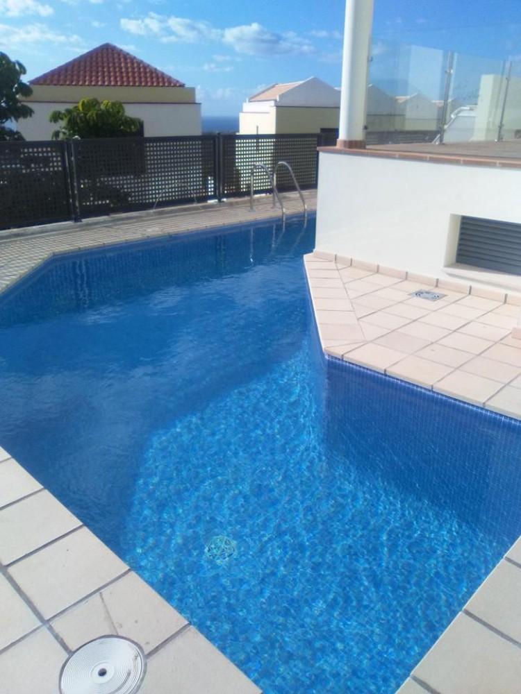 3 Bed  Villa/House for Sale, Chayofa, Santa Cruz de Tenerife, Tenerife - IN-209 1
