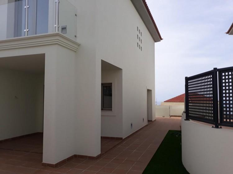 3 Bed  Villa/House for Sale, Chayofa, Santa Cruz de Tenerife, Tenerife - IN-209 13