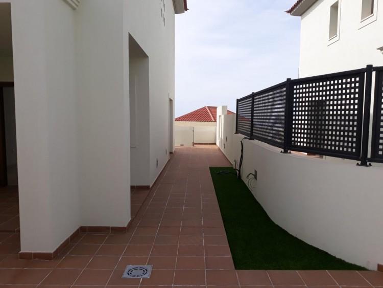 3 Bed  Villa/House for Sale, Chayofa, Santa Cruz de Tenerife, Tenerife - IN-209 19