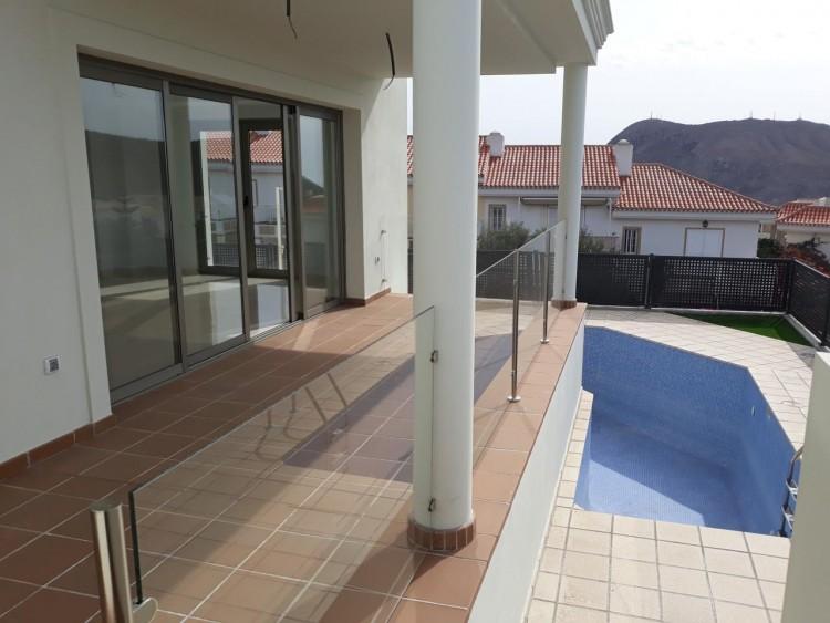 3 Bed  Villa/House for Sale, Chayofa, Santa Cruz de Tenerife, Tenerife - IN-209 2