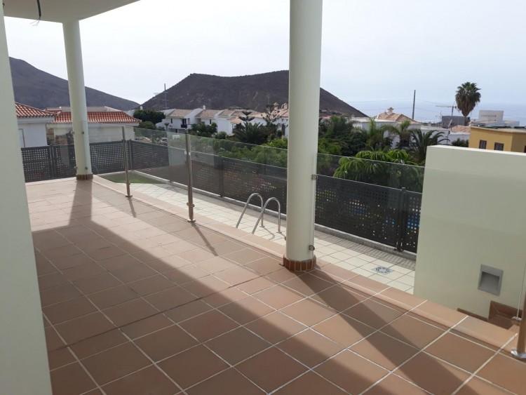 3 Bed  Villa/House for Sale, Chayofa, Santa Cruz de Tenerife, Tenerife - IN-209 20