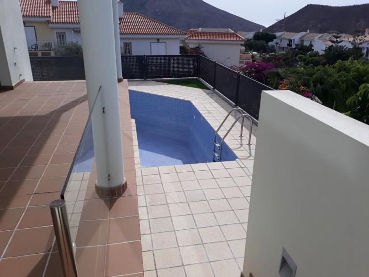 3 Bed  Villa/House for Sale, Chayofa, Santa Cruz de Tenerife, Tenerife - IN-209 4