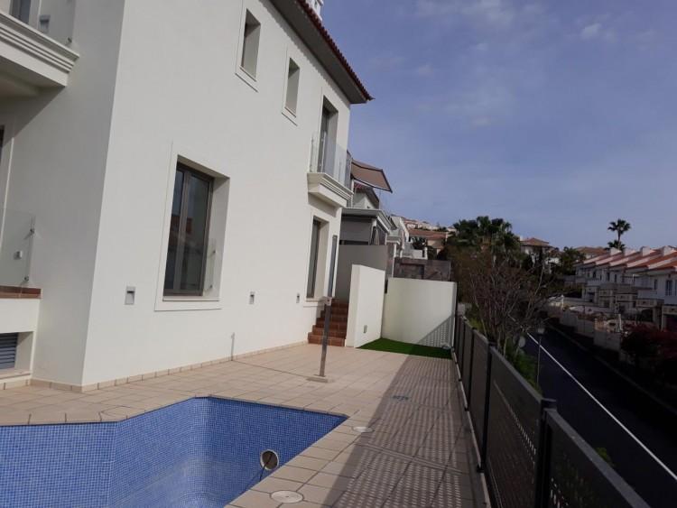 3 Bed  Villa/House for Sale, Chayofa, Santa Cruz de Tenerife, Tenerife - IN-209 6