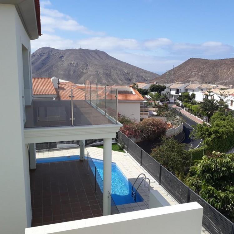 3 Bed  Villa/House for Sale, Chayofa, Santa Cruz de Tenerife, Tenerife - IN-209 8