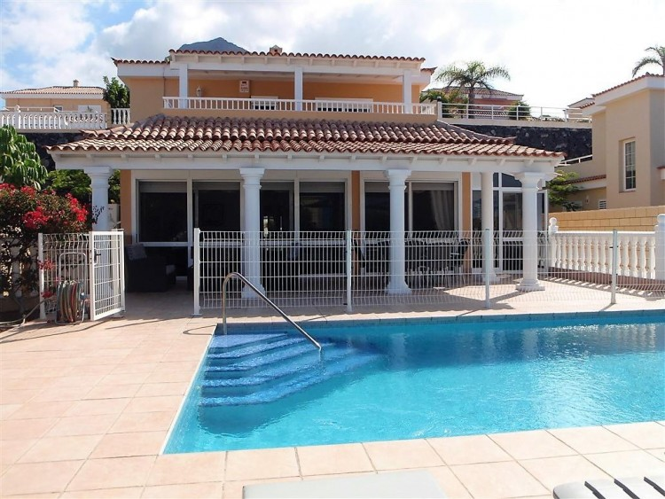 3 Bed  Villa/House for Sale, Adeje, Santa Cruz De Tenerife, Tenerife - IN-162 1