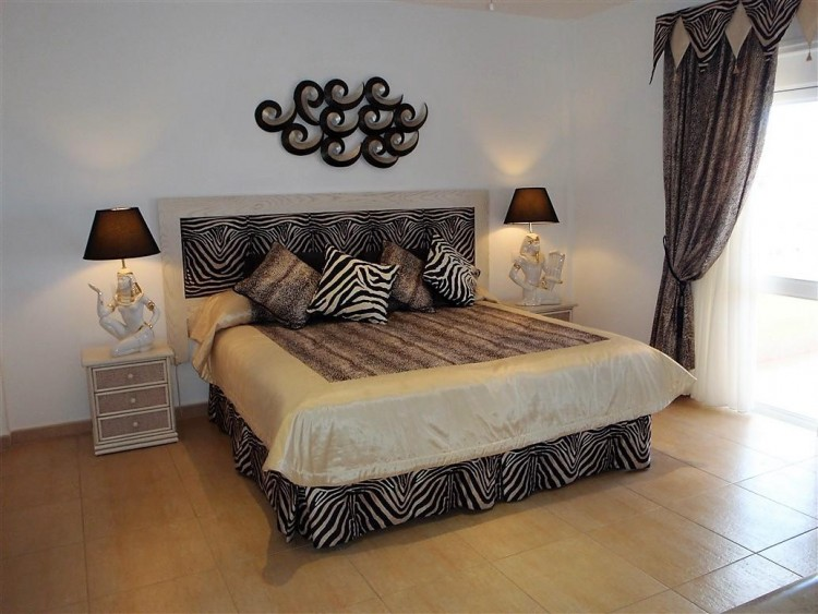 3 Bed  Villa/House for Sale, Adeje, Santa Cruz De Tenerife, Tenerife - IN-162 11