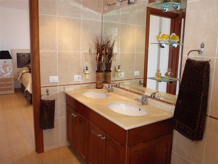 3 Bed  Villa/House for Sale, Adeje, Santa Cruz De Tenerife, Tenerife - IN-162 15