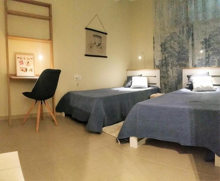 2 Bed  Flat / Apartment for Sale, Valle de San Lorenzo, Santa Cruz de Tenerife, Tenerife - IN-78 7