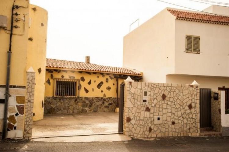 4 Bed  Villa/House for Sale, San Miguel de Abona, Santa Cruz de Tenerife, Tenerife - IN-72 2