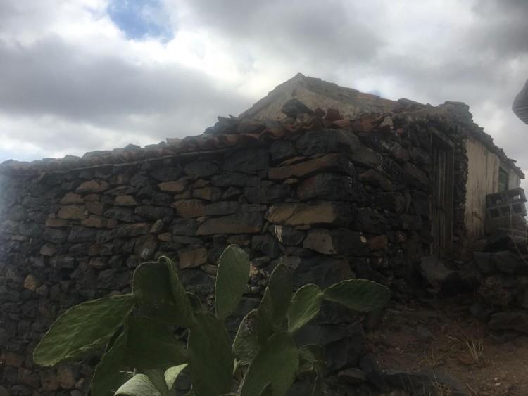 2 Bed  Country House/Finca for Sale, Guía de Isora, Santa Cruz de Tenerife, Tenerife - IN-15 2