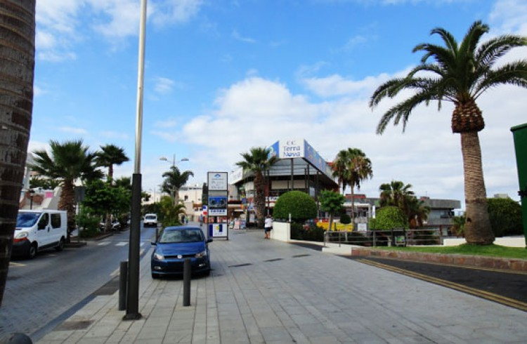 Commercial for Sale, Adeje, Tenerife - VC-52879525 2