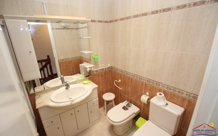 2 Bed  Flat / Apartment to Rent, Puerto Rico, Gran Canaria - NB-2055 15