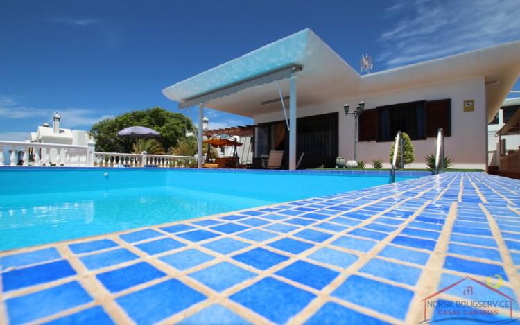 2 Bed  Villa/House to Rent, Puerto Rico, Gran Canaria - NB-690 1