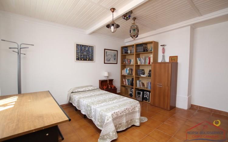 2 Bed  Villa/House to Rent, Puerto Rico, Gran Canaria - NB-690 16