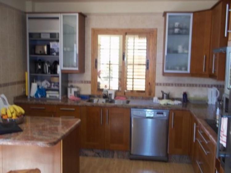 4 Bed  Villa/House for Sale, Playa de la Arena, Santa Cruz de Tenerife, Tenerife - SB-43 2
