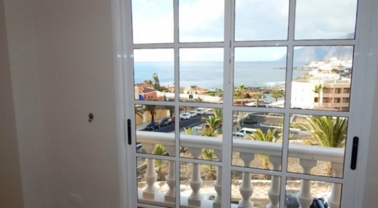 3 Bed  Villa/House for Sale, Puerto de Santiago, Santa Cruz de Tenerife, Tenerife - SB-49 3