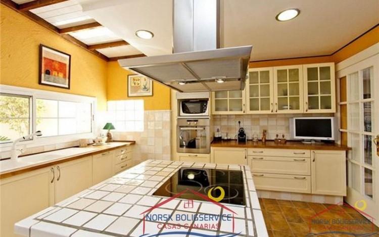 4 Bed  Villa/House for Sale, Arguineguin, Gran Canaria - NB-279 11