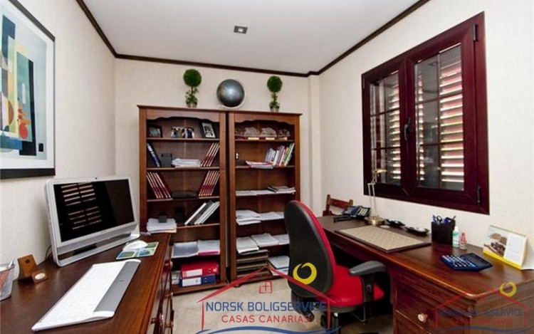 4 Bed  Villa/House for Sale, Arguineguin, Gran Canaria - NB-279 14