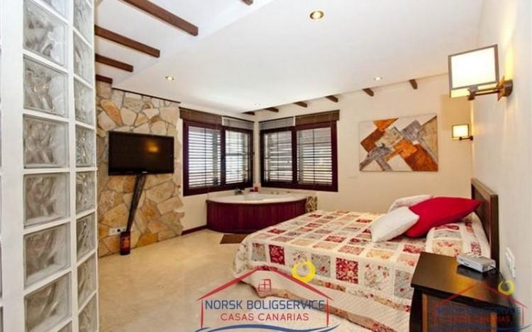 4 Bed  Villa/House for Sale, Arguineguin, Gran Canaria - NB-279 15