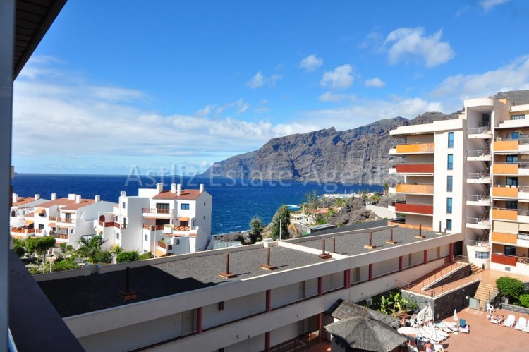 2 Bed  Flat / Apartment for Sale, Puerto De Santiago, Santiago Del Teide, Tenerife - AZ-1258 1