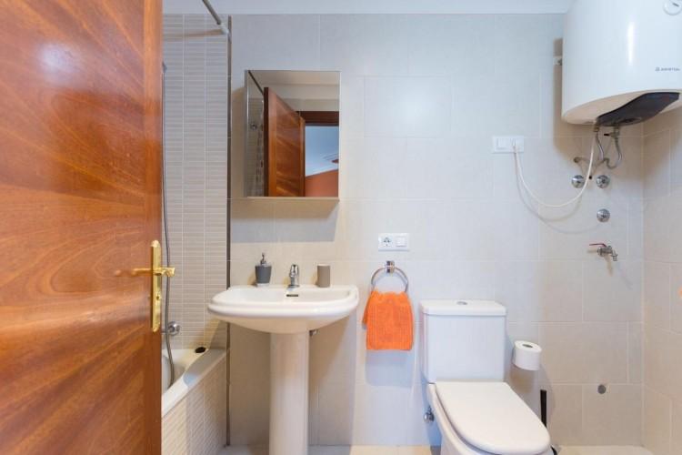 2 Bed  Flat / Apartment for Sale, Adeje, Santa Cruz De Tenerife, Tenerife - IN-240 10