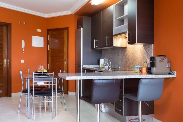2 Bed  Flat / Apartment for Sale, Adeje, Santa Cruz De Tenerife, Tenerife - IN-240 4